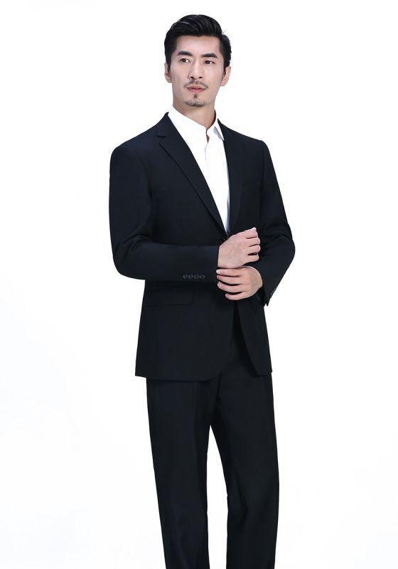 订制条纹西装适合什么人穿
