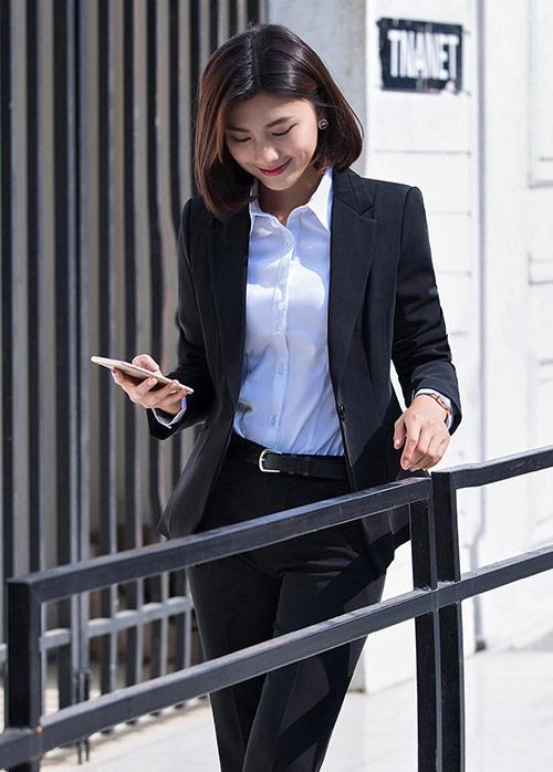 女士正装和订制职业装有哪些区别?